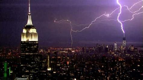 nighttime lightning strikes new york city kxan