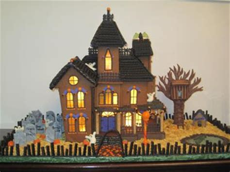 halloween gingerbread mansion 2010