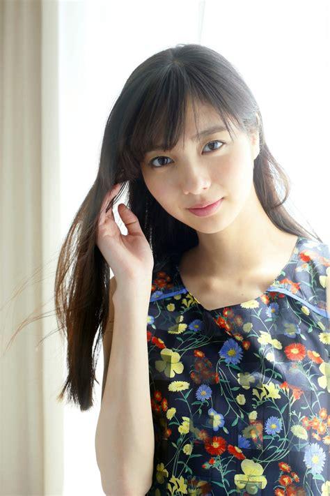 suzu hirose voice actress 広瀬すず 一年ぶりにgirlsawardのランウェイに登場 actress press