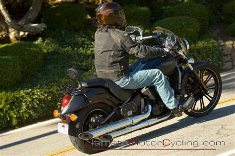 Kawasaki Vulcan 900 Custom SE   Review