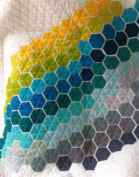 Patchwork Hexagon - 25 best ideas about hexagon patchwork on