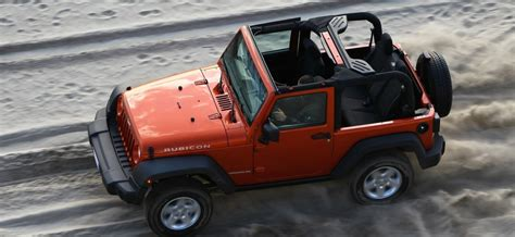 Drivers Jeep How To Be A Responsible Jeep Driver Jeep Dealerships