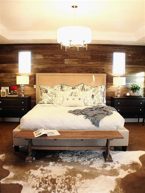 rustic bedroom with cowhide rug home decorating trends
