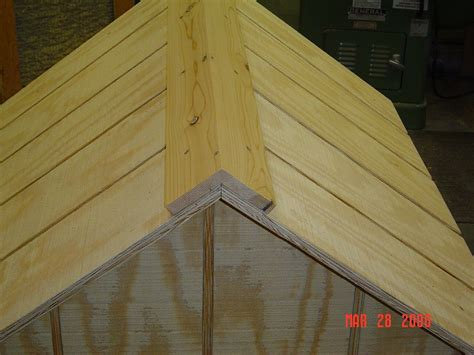 roofing a dog house insulated dog house woodbin