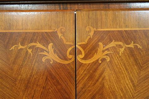 Can Kitchen Cabinets Be Refinished by How Bad Is Wood Veneer On Furniture The Harp Gallery