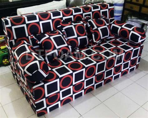 Cover Sofa Bed Inoac sofa bed inoac trendy multi fungsi hitam kotak merah putih