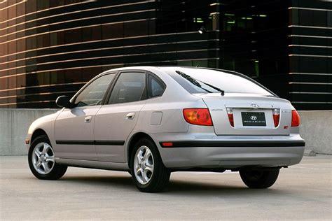 buy car manuals 2002 hyundai elantra auto manual 2002 hyundai elantra overview cars com