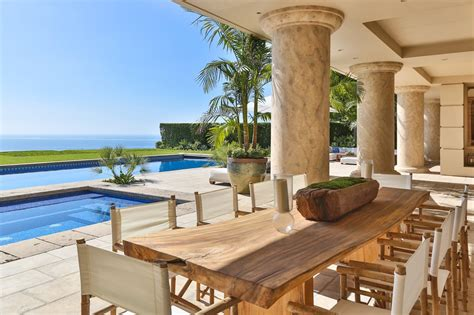 Home Staging Before And After by Cliffside Malibu Estate Meridith Baer Home