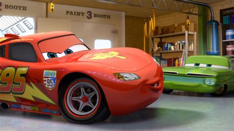 lightning mcqueen l cars 3 extended trailer further explains what happens to