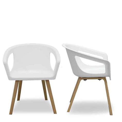 Chaise Design Suedois by Chaise Coque Blanche Et Bois Design Shelwood La Chaise