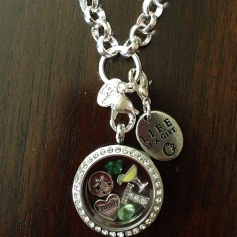 Necklace Like Origami Owl - origami owl necklace jewelry ideas someday