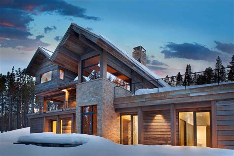 locati architects a contemporary mountain retreat surrounded by montana