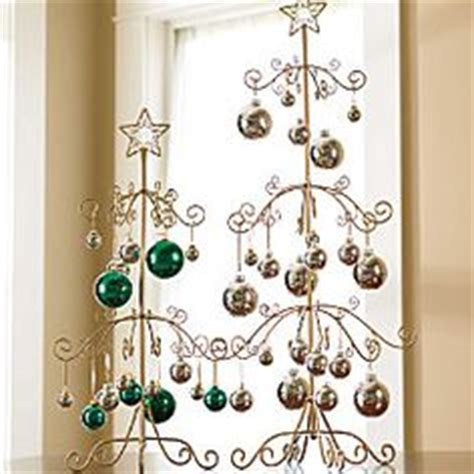 1000 images about holiday ornaments display without