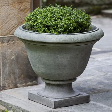 Outdoor Pots And Urns Cania International Greenwich Cast Urn Planter