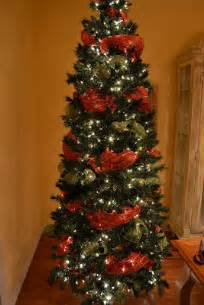 How to put mesh ribbon on christmas tree share the knownledge