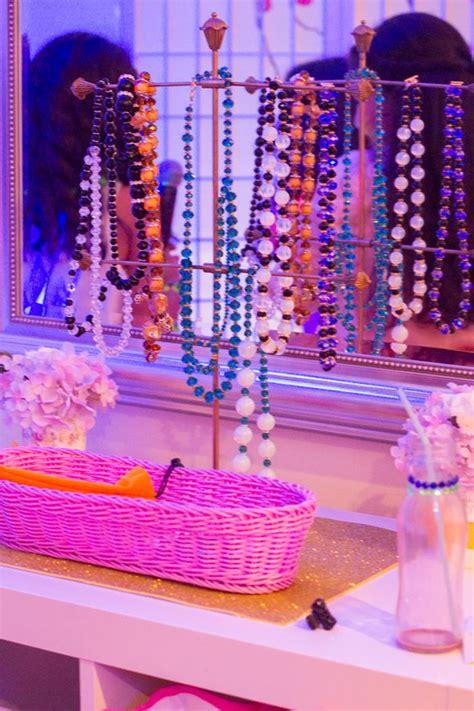 Fashion Show Decorations by A Fashion Show Birthday Via Kara S Ideas Karaspartyideas Fashionrunway