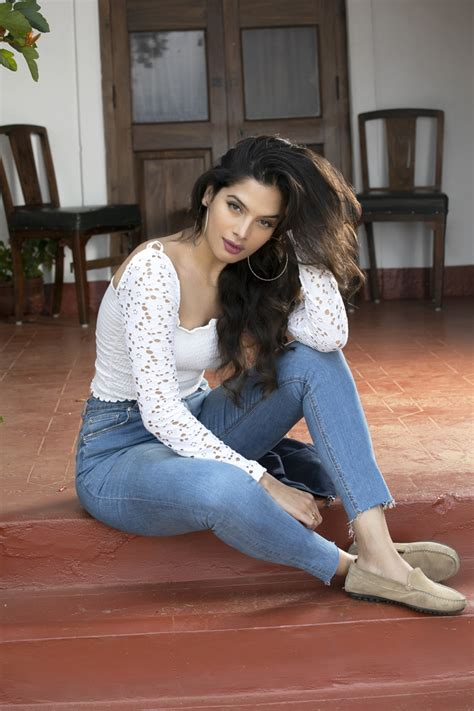 tanya hope  south diva calendar  photoshoot stills