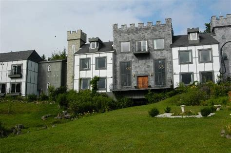 cape breton inns castle moffett baddeck scotia cape breton island