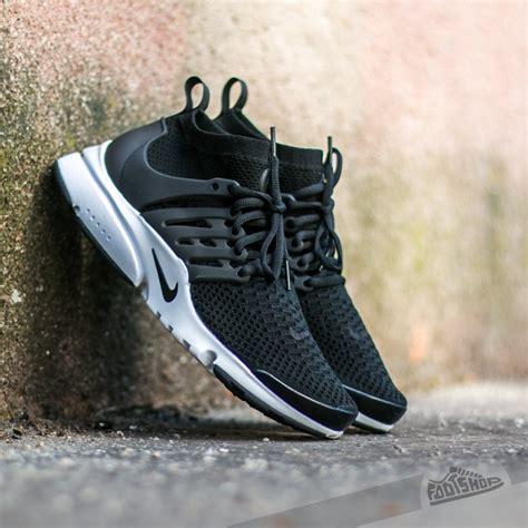 Sepatu Nike Air Presto Ultra Flyknit Black White Premium Quality nike air presto flyknit ultra black black white electric green footshop