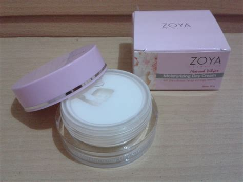 zoya white day my daily product review