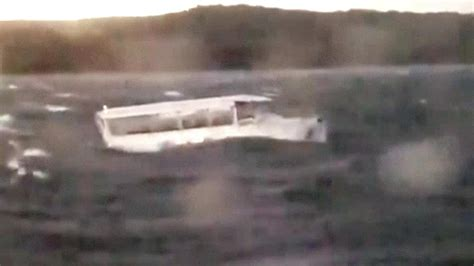 duck boat video video shows missouri duck boats in lake before one
