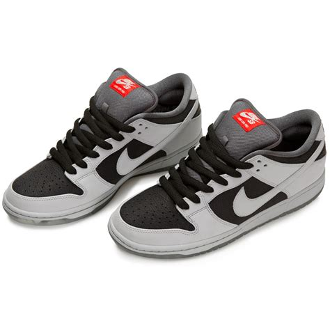 kaos nike sb black 35 nike sb x atlas 35mm dunk low premium shoes