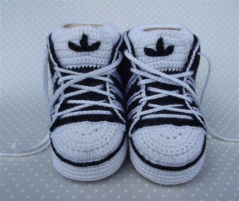 crochet running shoe slippers crochet adidas baby sneakers tutorial medias y zapatos