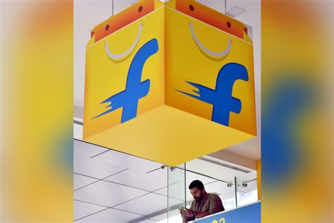 bookmyshow flix flipkart looking to relaunch loyalty program to take on