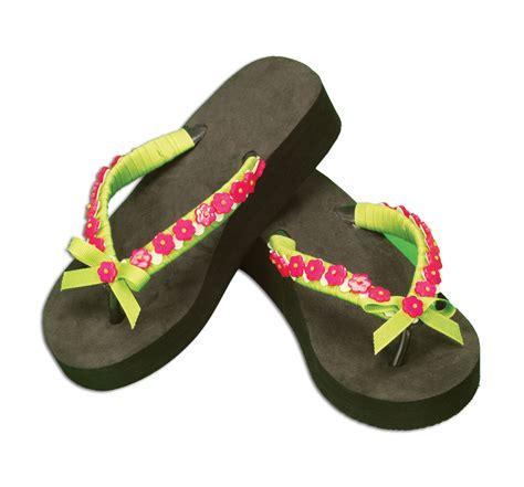 flip flop craft projects embellished flip flops favecrafts