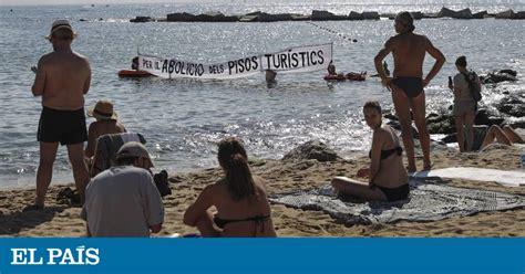 vinetas la nueva moda del turismo de borrachera balconing mamading los vecinos de la barceloneta toman la playa en contra de