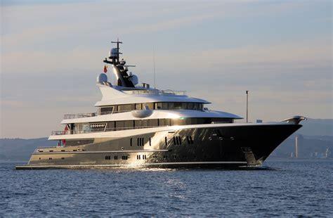 yacht phoenix 2 yachtler yacht butler 187 phoenix 2