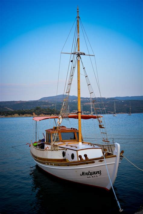 fishing boat greece 17 best images about greek fishing boats on pinterest