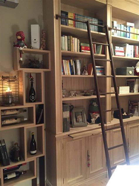 librerie particolari interesting particolari libreria vineria with librerie