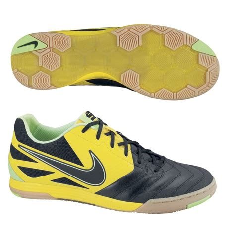 house of shoes online shop new nike futsal shoes nike futsal shoes 28 images football trainers shoes