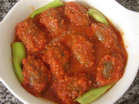 soslu brek tarifi kolay resimli yemek tarifleri fırında domates soslu kaşarlı k 246 fte nasıl yapılır 10 16
