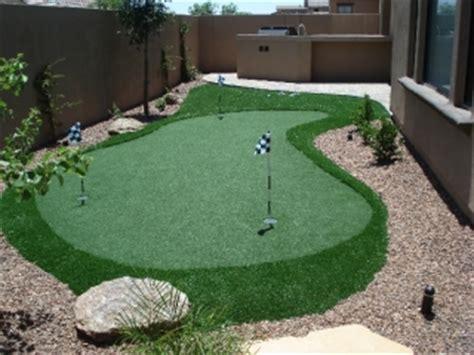 custom putting greens  backyards  dream retreats