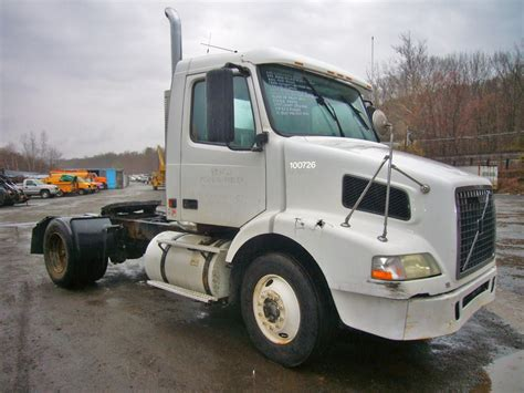 volvo tractor dealer 2004 volvo vnm42t single axle day cab tractor for sale by