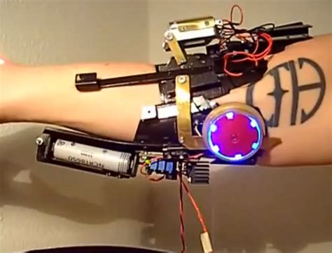 iron man cosplay gauntlet fitted real laser video