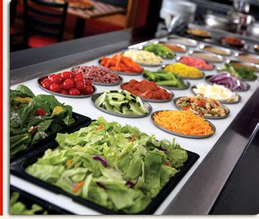 how to eat vegan in a college dining hall salad bar