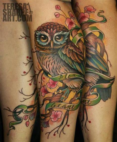 tatuagem perna coruja por teresa sharpe
