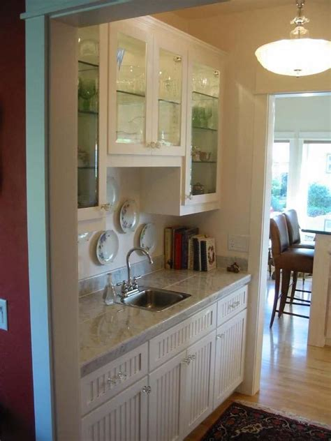 hand  painted pantry cabinets  dees cabinetry