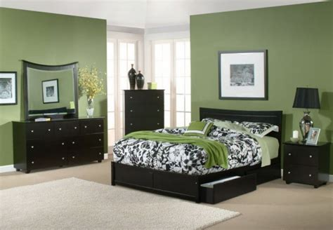 Olive Green Bedroom by Olive Green Bedroom Walls Design Olive