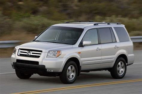 Honda Or Toyota Which Is Better 2003 2008 Honda Pilot Vs 2001 2007 Toyota Highlander