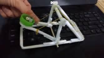 comment une catapulte de papier mini armes