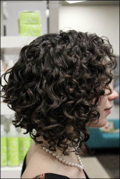 adding curl to an angle bob shoulder length curly inverted bob google search hair