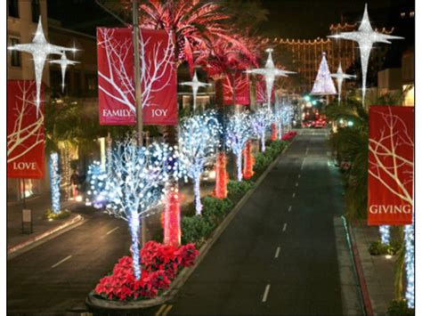 150 000 holiday lights to brighten up rodeo drive