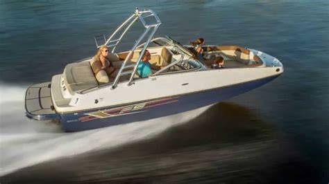 deck boats youtube 2015 bayliner 195 db deck boat youtube