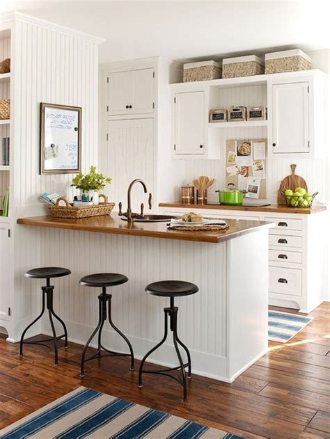 beautiful small kitchen     fall  love