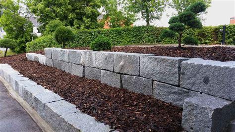 granitsteine garten natursteinmauern
