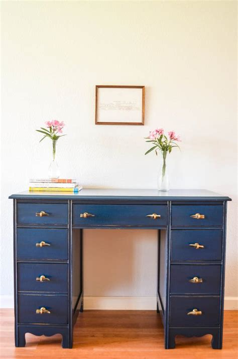 Desk Painting by 17 Best Ideas About Painted Desks On